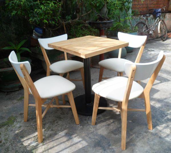 Tóp những mẫu bàn ghế cafe bằng gỗ tự nhiên